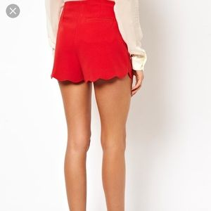 RED SCALLOP SHORTS!
